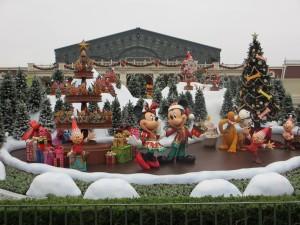TDL【クリスマス】エントランス花壇