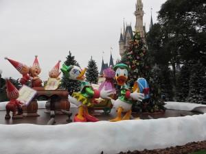 TDL【クリスマス】城前3