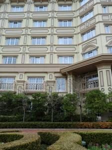 ディズニーランドホテル客室棟(ガーデン側)