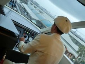 06リゾートライナー運転手_2
