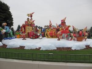 TDL【クリスマス】城前1
